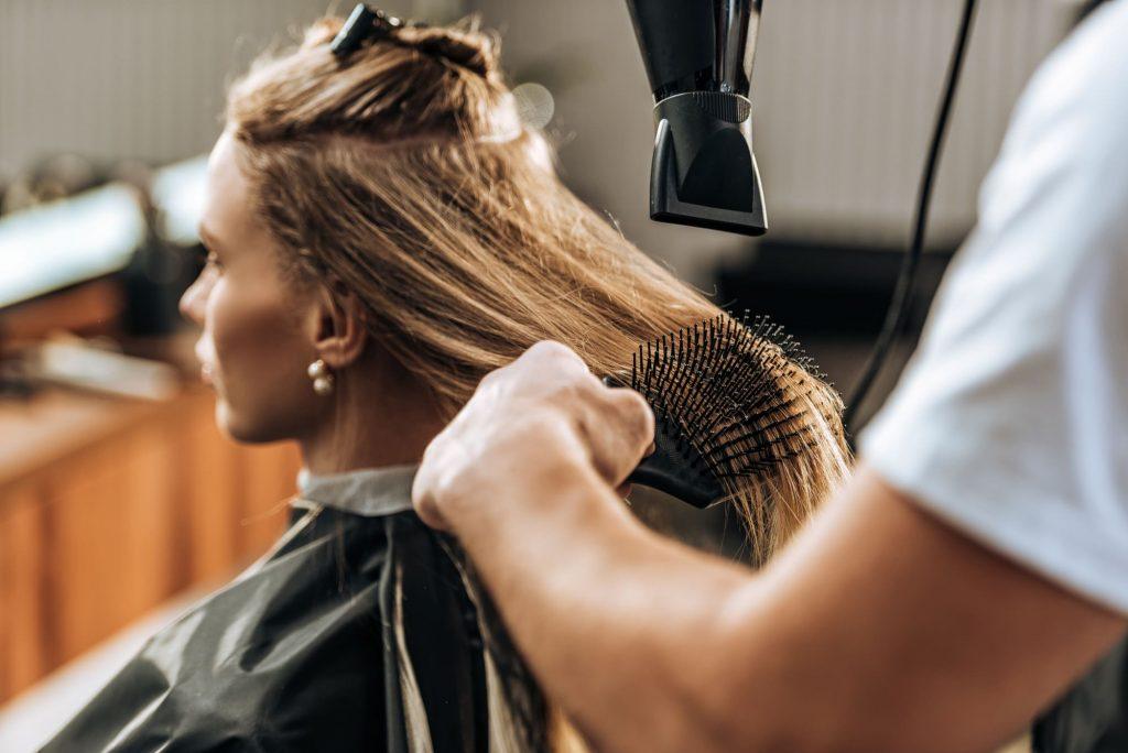 Setting up a salon business in Dubai