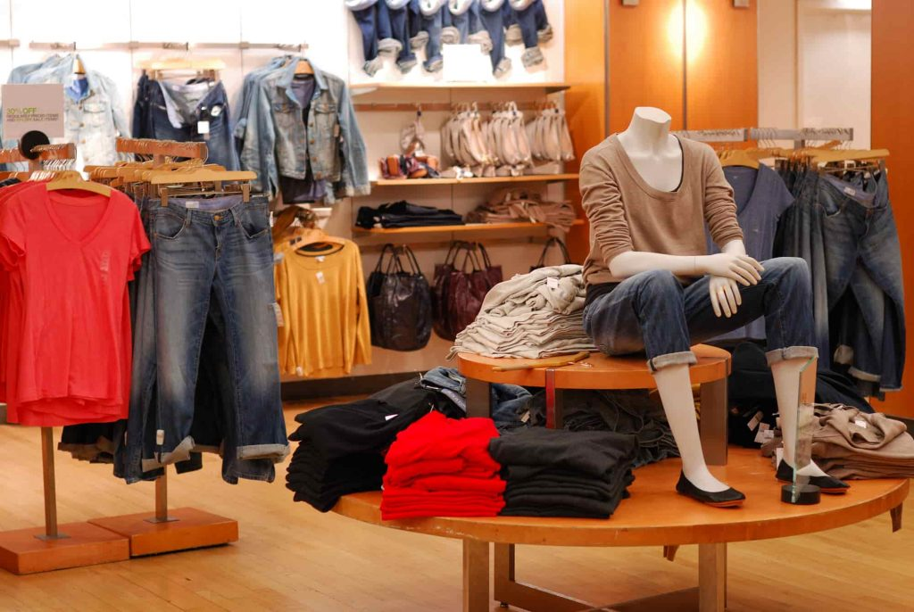 HOW TO START A FASHION STORE IN DUBAI